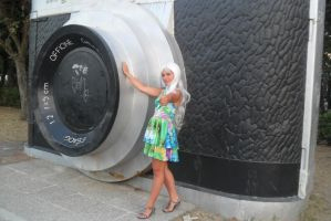 Me And The Giant Camera by FreakyPhoto