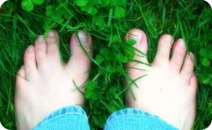 Webbed Toes in the Grass by simply-meggie