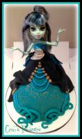 Monster High Doll Cake! by gertygetsgangster