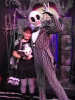 Jack Skellington and his Fan by sonicshadowlover13