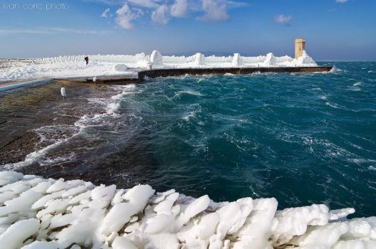 Ice and sea by ivancoric