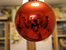 bauble reflection by ARAart