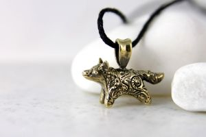 Little fox totem pendant by hontor
