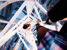 Don't look down by MildlyReactive