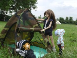BJD- Setting Up Camp by MorphicLunatic
