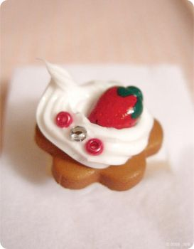 Ring - Strawberry Cream by itrill