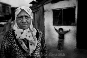 woman and child.. by sozerali
