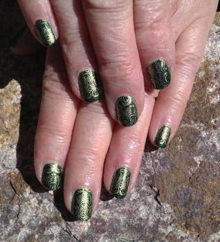 20150314 Gold Damask Stamping on Dark Green by m-everhamnails
