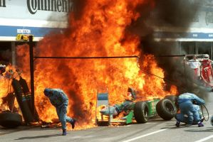 Benetton Pit Fire (Germany 1994) by F1-history