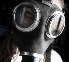 Gasmask Girl by xSick