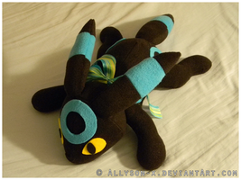 Shiny Umbreon Plush by Allyson-x