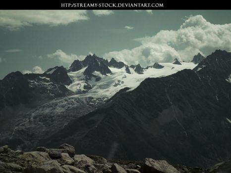 Montain-stock streamy by streamy-stock