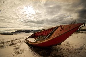 Abandoned Boat by ummok123