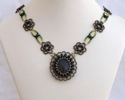 Serpentine flower necklace N1379 by Fleur-de-Irk