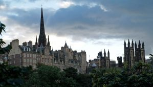 Edinburgh skyline by piglet365