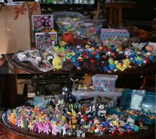 Junk I fill my room with by ShadowSketching