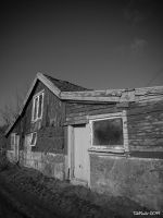 Barn in decay by TebPixels