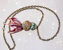 Flower Puff Necklace by PixiesLot