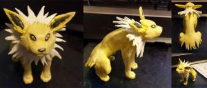 Jolteon Sculpter by cheese-puff82