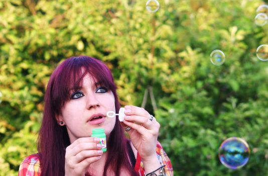 Blowing bubbles by sheep-love