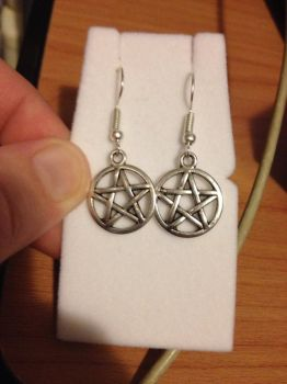 Pentagram Earrings by MiniMushies