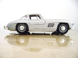 mercedes-benz 300sl scale 1 18 by EnriqueGomez