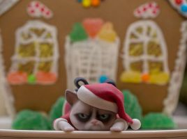 Grumpy Cats worst christmas  3 by ManuelPoehlau