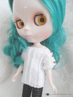 Hand knit crisp rectangle tee for Blythe by kivrin82
