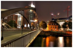 Speicherstadt-Bridge by teuphil