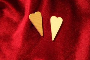 Two wood skinny hearts by paintresseye