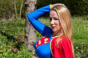 Supergirl - DC Comics by SissiCosplay