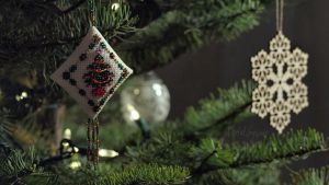 Week 50 - Decorating the Christmas Tree by VentalSycant