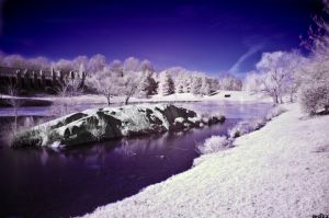 IR lake by BiOzZ