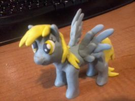 Derpy Hooves by Corazon-de-lobo