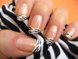 Zebra Nail Polish 4 by xzibitka