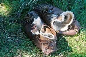 Iron age shoes by Dewfooter
