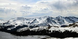 Snowy Mountains by shutter-crazy