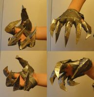 Claw Glove by Accelsier