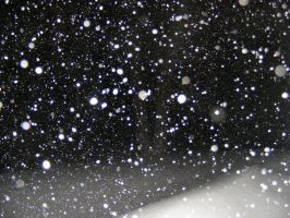 snow falling at night by BlueIvyViolet