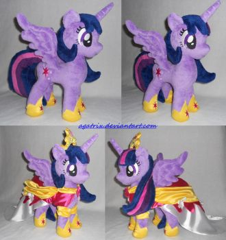 Alicorn Princess Twilight (The Coronation dress) by agatrix