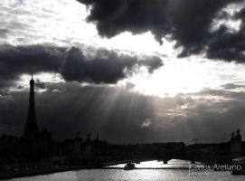 Paris skyline. by yaddar