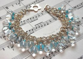 Blue and clear glass beaded cluster bracelet by TerraNovaJewels