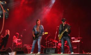 Chris Norman vs The Band by julismith