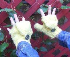 Yellow convertable mittens by Glori305
