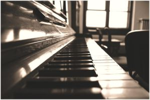 play the piano by despik