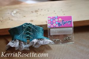 Setting Eyelets Without Buying Tools by KerriaRosette