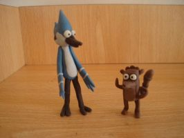 mordecai and rigby en plastilina by fsalkatras