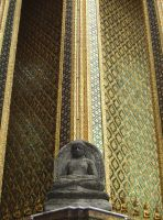 Thai Statue with Gold by tr3ocrue