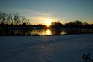 sun over lake by cyrus000