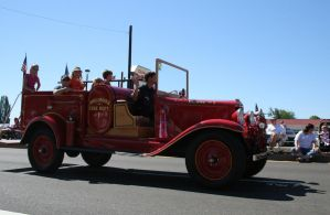 vehicle 27: old fire engine by cyborgsuzystock